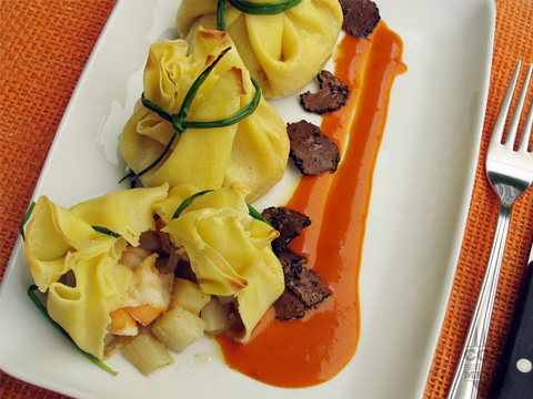 crespelle con asparagi mazzancolle e tartufo