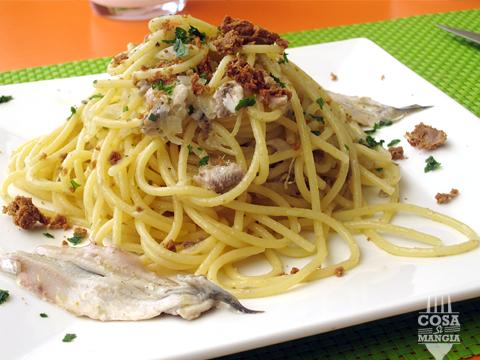 spaghetti alici marinate e bottarga