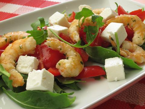 insalata di gamberi pomodorini rucola e feta