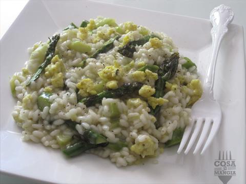 Risotto-asparagi-verdi-e-uova